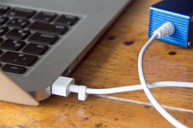 Mac充電アダプター