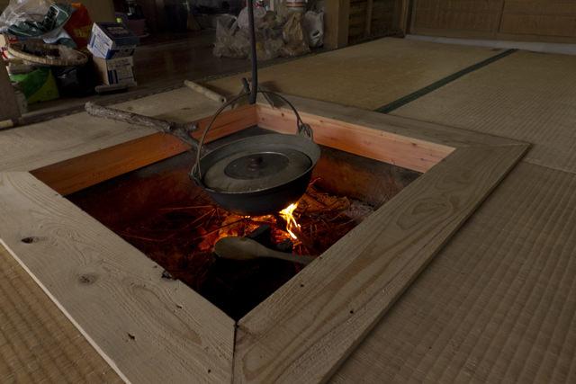 てー庵の囲炉裏