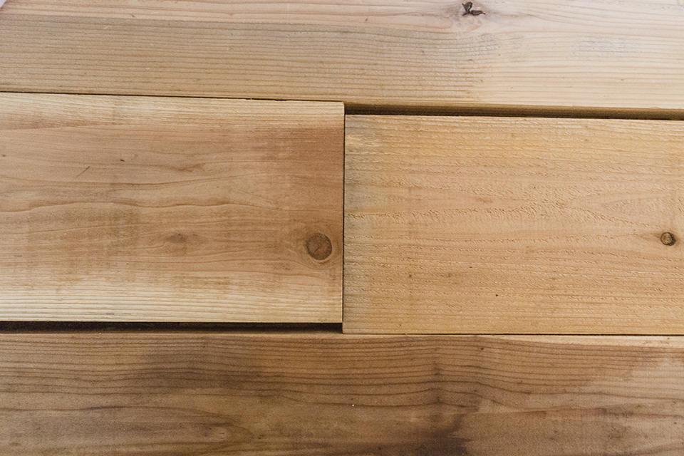 工具・溝切りを使って、床板にあいじゃくりを切っちゃうぞ!